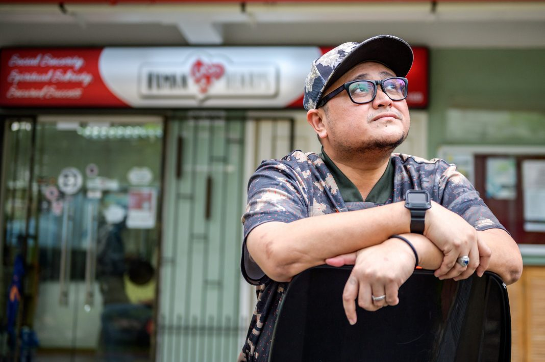 Firdaus Abdul Hamid, 39, overcame the stigma of his past as an ex-offender with grit, determination and hard work. Staying strong and positive despite his roller-coaster journey to recovery from a traumatic car accident, he pushed forward to found Human Hearts, a non-profit organisation focused on the holistic development of ex-offenders.