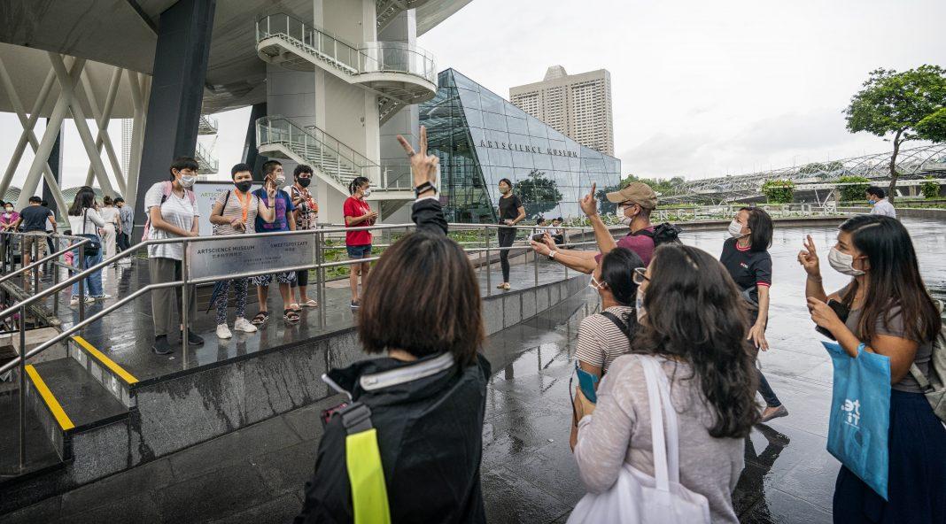DBS x MINDS tour the Marina Bay Sands